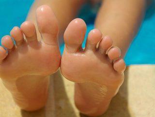 Jak zadbać o pielęgnację stóp?